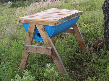 top-bar-beehive-made-from-plastic-barrel